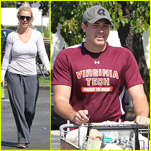 Britney Spears & David Lucado: Vons Grocery Shopping!