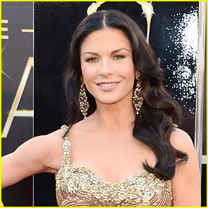 Catherine Zeta-Jones Enters Treatment Center for Bipolar Disorder