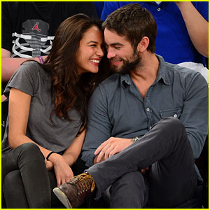 Chace Crawford: Knicks Game with Rachelle Goulding!
