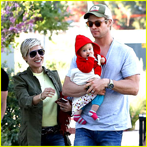 Chris Hemsworth & Elsa Pataky: Lunchtime with India!