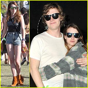 Emma Roberts & Evan Peters: Coachella Cuddling Couple!