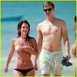 Hayden Christensen: Shirtless Beach Day with Rachel Bilson!