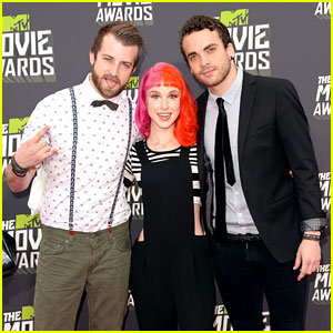 Hayley Williams & Paramore - MTV Movie Awards 2013