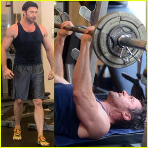 Hugh Jackman: Bulging Biceps Workout!