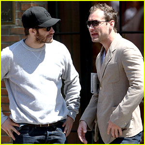 Jake Gyllenhaal & Jude Law Hang Out in the East Village