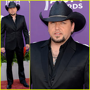 Jason Aldean - ACM Awards 2013 Red Carpet