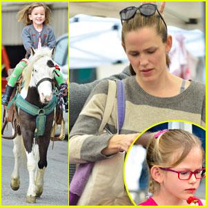 Jennifer Garner: Farmers Market Trip with Violet & Seraphina
