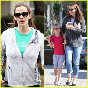 Jennifer Garner: McDonald's Happy Meals with Violet!