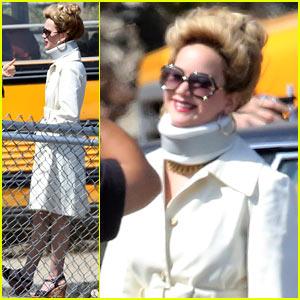 Jennifer Lawrence: Neck Brace on 'David O. Russell' Set!