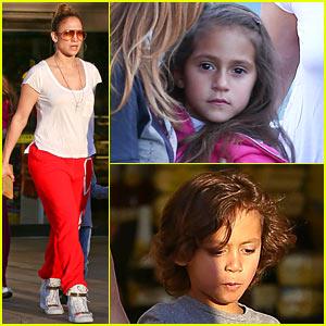 Jennifer Lopez: Ralph's Market with Max & Emme!