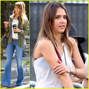 Jessica Alba & Cash Warren: Coachella Couple!