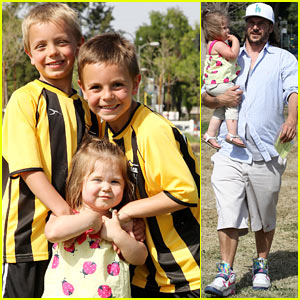 Kevin Federline Cheers On Sean Preston & Jayden James!