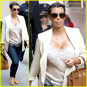 Pregnant Kim Kardashian: Burbank Flight Before MTV Movie Awards 2013
