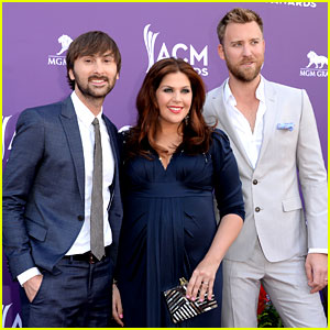 Lady antebellum acm awards 2013 red carpet 2013 acm for Is hillary from lady antebellum pregnant