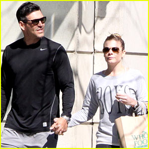 LeAnn Rimes & Eddie Cibrian Hold Hands After Shopping!