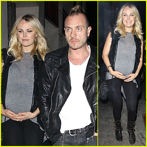 Malin Akerman: Pregnant Date Night with Roberto Zincone!