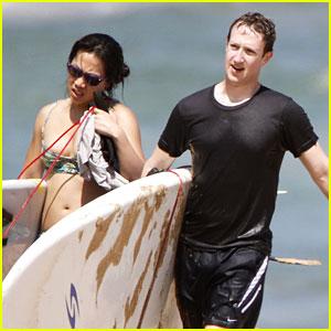 Mark Zuckerberg & Priscilla Chan: Surfing in Hawaii!