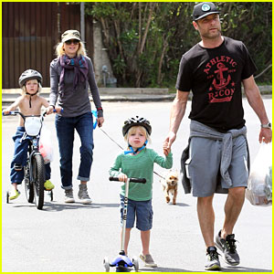 Naomi Watts & Liev Schreiber: Family Outing with Sasha and Samuel