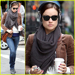 Olivia Wilde: Coffee & Music in NYC!