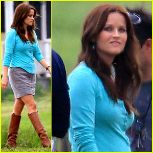 Reese Witherspoon: Brunette Hair on 'The Good Lie' Set!