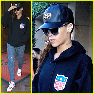 Rihanna: I'm Sad & Disappointed to Postpone Houston Concert!