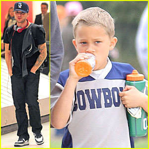 Ryan Phillippe: Cowboys Soccer Game with Deacon!