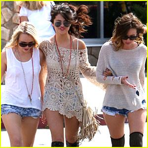 Selena Gomez: Weekend Road Trip with Friends!