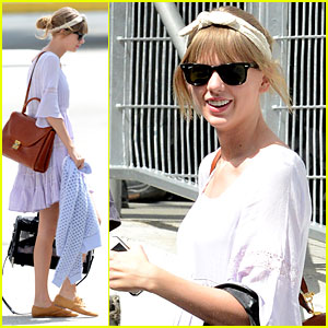 Taylor Swift: Miami Arrival for 'Red Tour'!