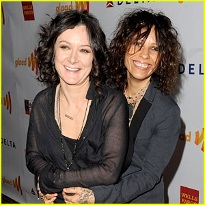 The Talk's Sara Gilbert: Engaged to Linda Perry!
