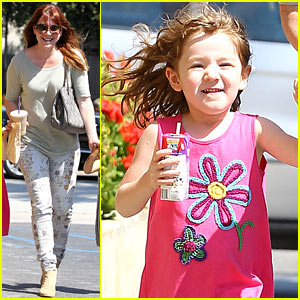 Alyson Hannigan Grabs Coffee After Keeva's First Birthday!