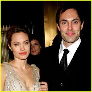 Is Angelina Jolie A Lesbian