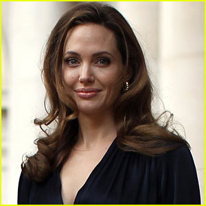 Angelina Jolie Double Mastectomy: Celebrities Tweet Support