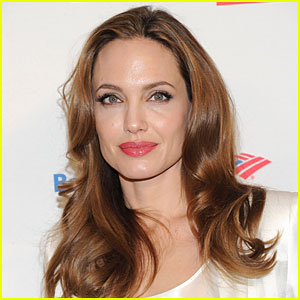 Angelina Jolie Has Bravely Completed a Double Mastectomy