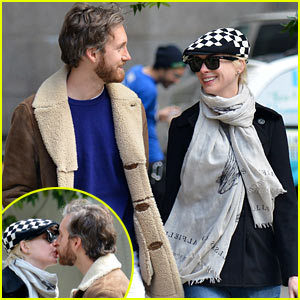 Anne Hathaway & Adam Shulman: Dog Walkin' Kisses!