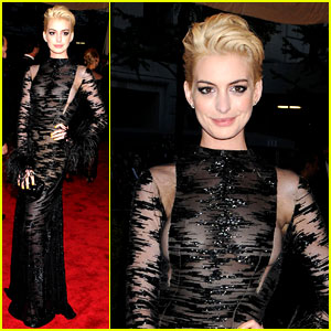 Anne Hathaway: Bleach Blonde Hair at Met Ball 2013!