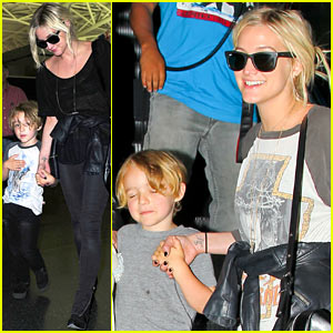 Ashlee Simpson: From LAX to JFK & Back Again!