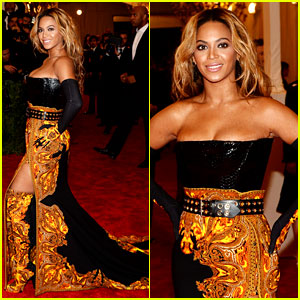 Beyonce - Met Ball 2013 Red Carpet with Solange Knowles