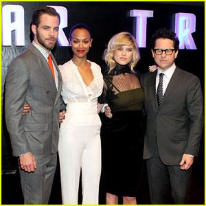 Chris Pine & Zoe Saldana: 'Star Trek' in Mexico City!