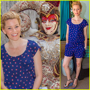 Elizabeth Banks Spends Memorial Day Weekend in Vegas