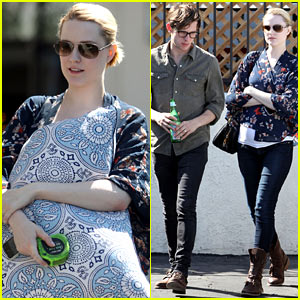 Evan Rachel Wood Covers her Baby Bump with a Giant Pillow!