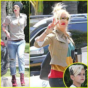 Gwen Stefani: Peace at the Studio!