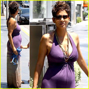 Halle Berry: I Love Mother's Day!
