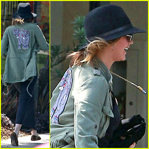 Jennifer Lawrence: Elephant Jacket at the Studio!