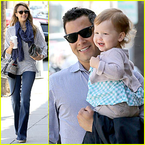 Jessica Alba & Cash Warren: Breakfast After Memorial Day!
