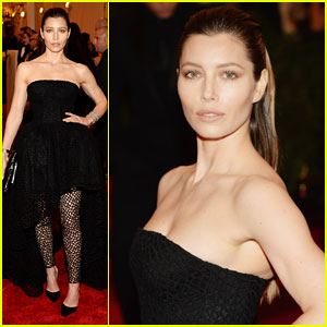 Jessica Biel - Met Ball 2013 Red Carpet