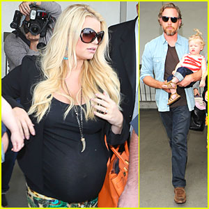 Jessica Simpson: Baby Bumpin' LAX Return!