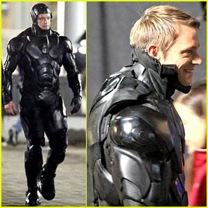 Joel Kinnaman Suits Up in Costume for 'Robocop' Reshoots