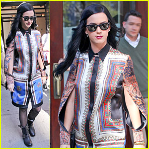 Katy Perry: NYC Hotel Exit After Killer Queen Unveiling!