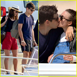 Keira Knightley & James Righton: Honeymoon Kissing Photos!