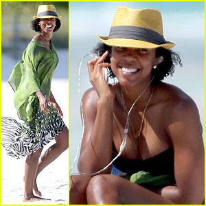 Kelly Rowland: Bikini Beach Calling Babe!